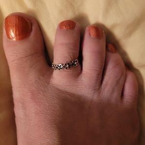 Flower toe ring